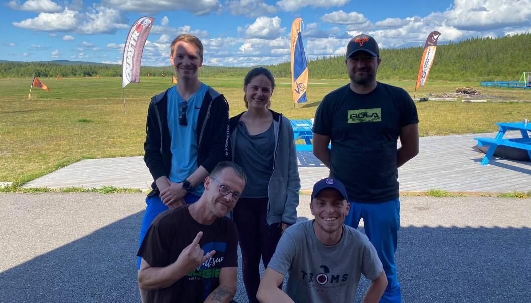 Bak: Christoffer, Jeanette og Jørn Foran: Robin, Magnus.