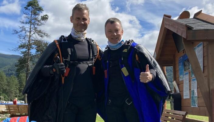 Remi Damgaard (th) er tatt ut på landslag, og skal prøve å slå blant andre Ulf Munkedal (tv), som er regjerende dansk mester i Wingsuit Performance.