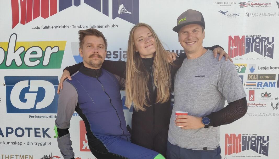 Nybakte Norgesmestre i Freefly rekrutt, Unicornasaurus Rex, fra Voss Fallskjermklubb