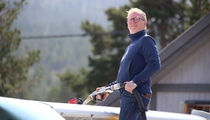 Pilot Agnar Stene, fueler.