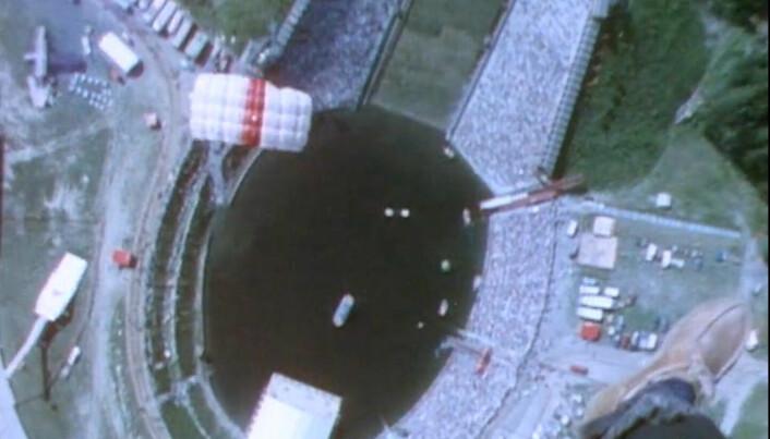 Laffen over Besserudtjernet og Holmenkollen hoppbakke, under 'Ta sjansen' i 1984